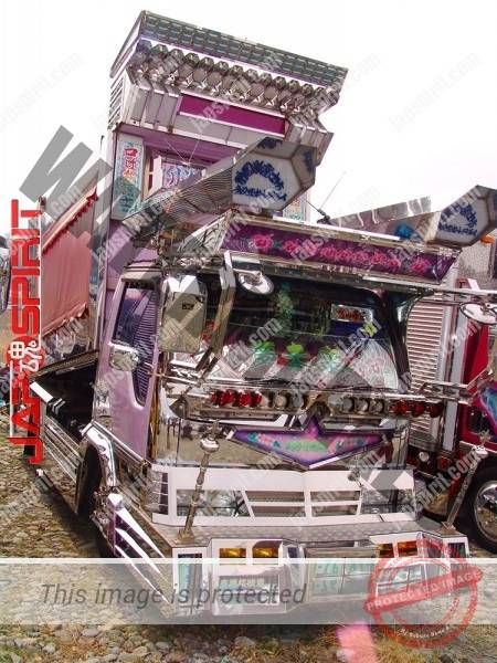 ISUZU Elf, Art truck, yellow cor Boxcar & purple color Dump truck, (1)