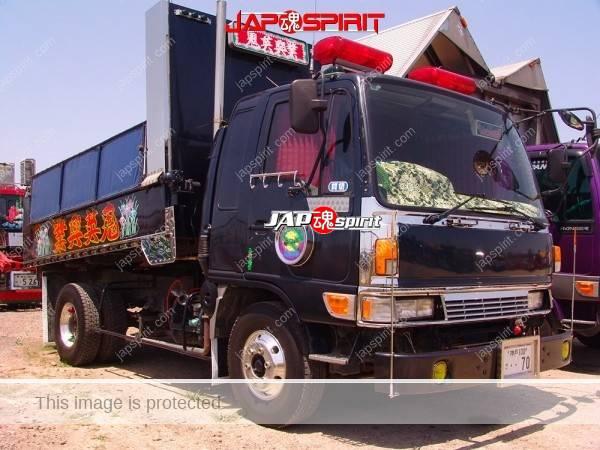 "Photo of HINO Ranger, Dump truck, Dekotora style, team ""Henkotsu club"". with pato lamp and zerosen paint"