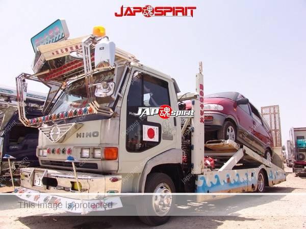 "HINO Ranger, car carrier type art truck, ""Mikumaru"", loading Toyota estima (2)"