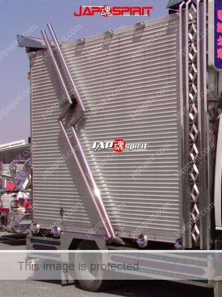 MITSUBISHI FUSO Canter, art truck with wide visor & bumper, long Takeyari muffler (1)
