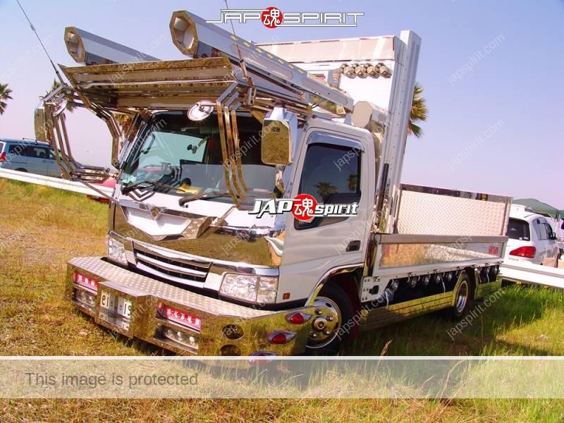 MAZDA TAITAN, 2t, kogara, flat body, art truck style, big rocket lamp (2)