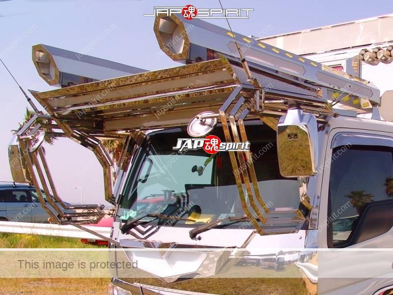MAZDA TAITAN, 2t, kogara, flat body, art truck style, big rocket lamp (1)