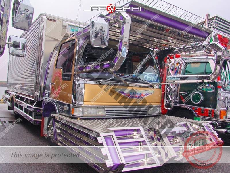 "HINO Ranger, Boxcar type, art truck, team ""Kanto Rangakai"", Monsieur maru, decorated by Pratia (1)"