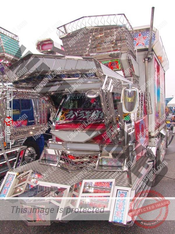 "ISUZU Elf, art truck style, team ""Kantou rangakai"", Bakushinmaru. with Suzuki kougei paint. (6)"