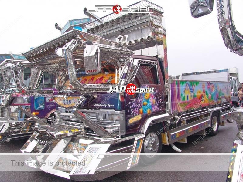 TOYOTA Dyna art truck, flat body, Winnie-the-Pooh air brush paint, wide visor & bumper (2)