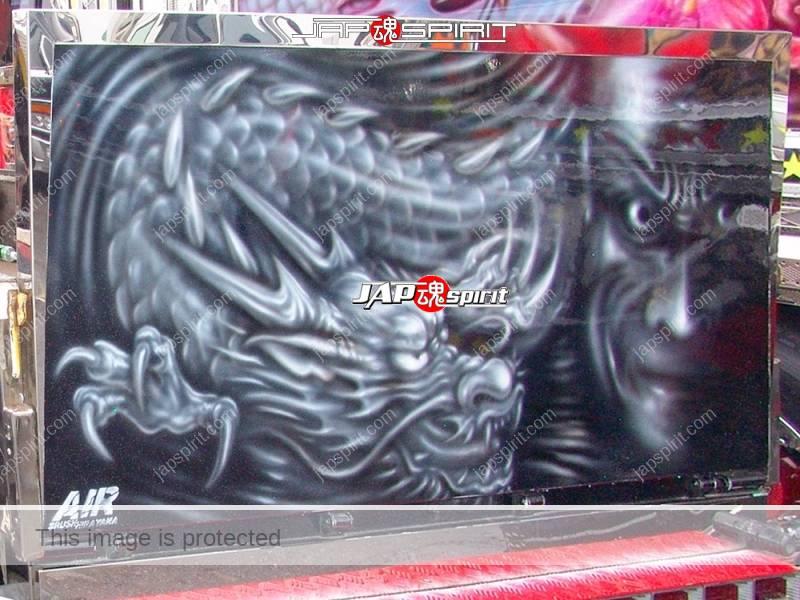 "ISUZU Elf, Art truck style, carp & dragon air brush paint on the back by ""Air brush Hirayama"" (2)"