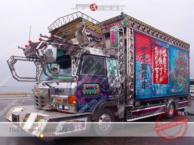 Sugurumaru of Unryu sendan, HINO Ranger art truck with rule of life lesson phrase paint (2)