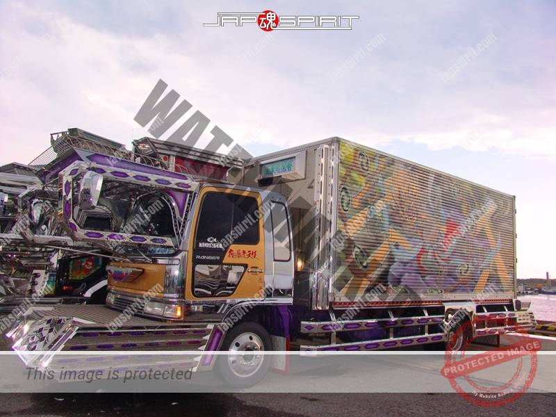 "HINO Ranger, Boxcar type, art truck, team ""Kanto Rangakai"", Monsieur maru, decorated by Pratia (4)"