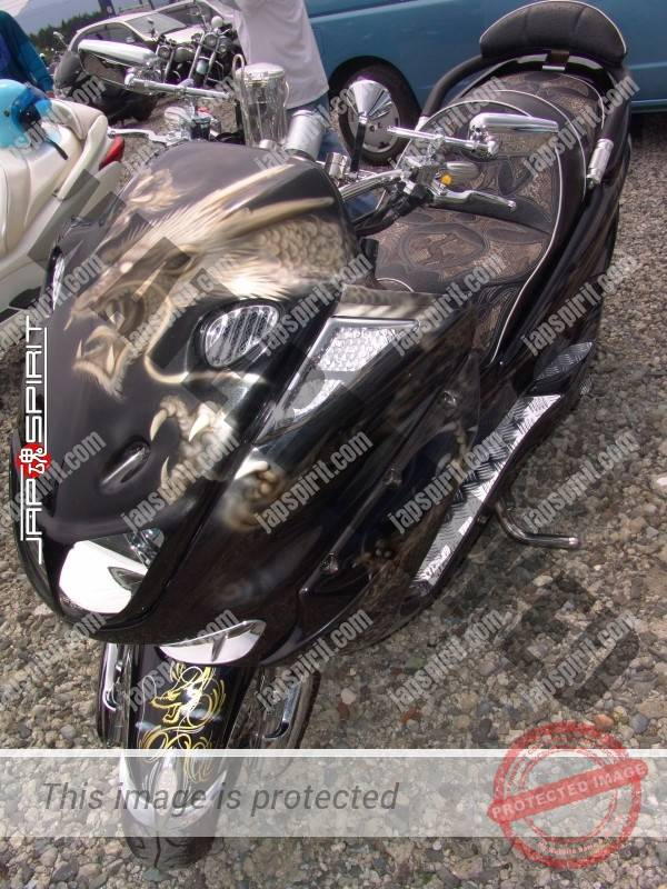 YAMAHA Majesty with Dragon air brush paint and stichwork sheet (4)