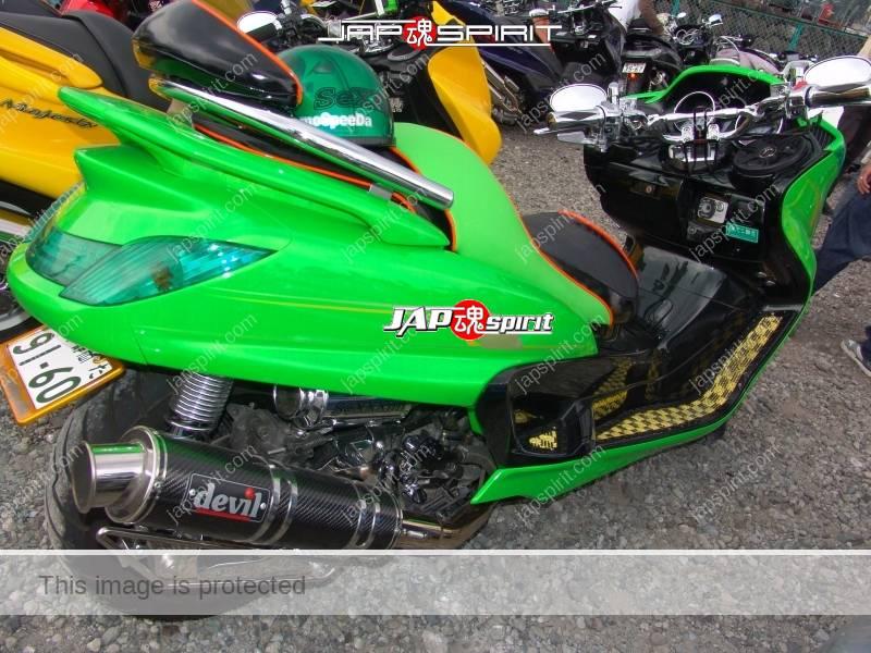 SUZUKI Skywave, Gachapin like vivid light green color and inside black color (1)