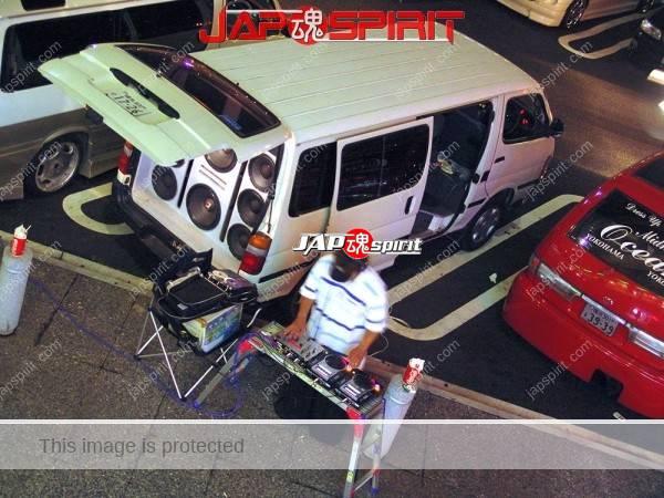 TOYOTA HIACE x100, Sotomuki style sound car, Very good big speaker with DJ (2)
