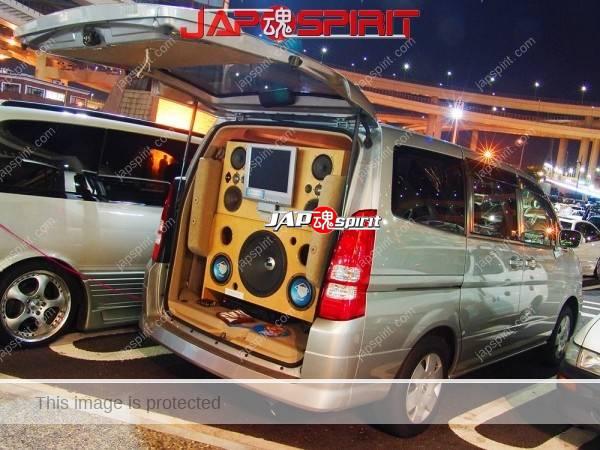 Photo of NISSAN Serena, Sotomuki style cound car, Big speakerwith monitor, nomal car