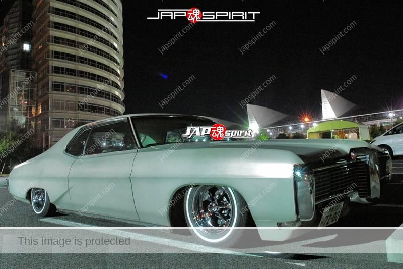 CHEVROLET Impala 4th sports coupe lowrider light blue low down at Minatomirai (2)