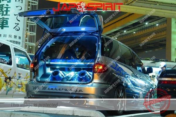 Photo of TOYOTA Estima, Sotomuki style Sound car, blue interior ligting, vinylgraphic