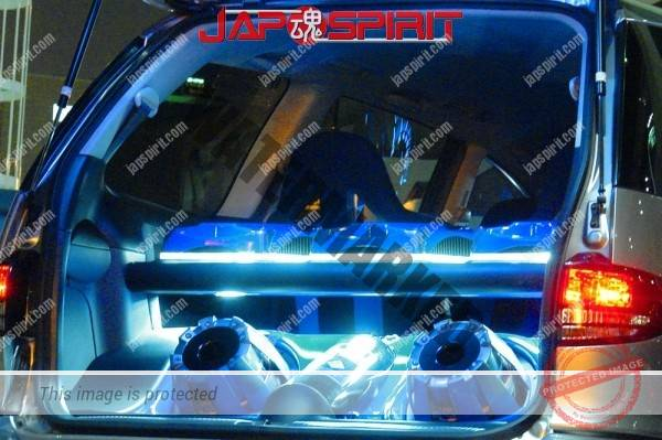 TOYOTA Estima, Sotomuki style Sound car, blue interior ligting (1)