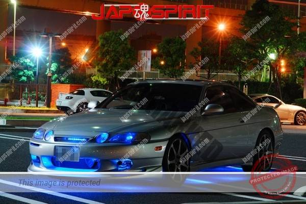 TOYOTA Soara Z30, Blue lighting, nomal, silver color at daikoku parking (3)