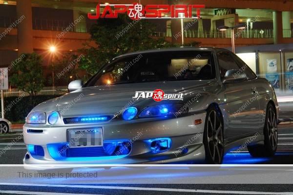 TOYOTA Soara Z30, Blue lighting, nomal, silver color at daikoku parking (1)