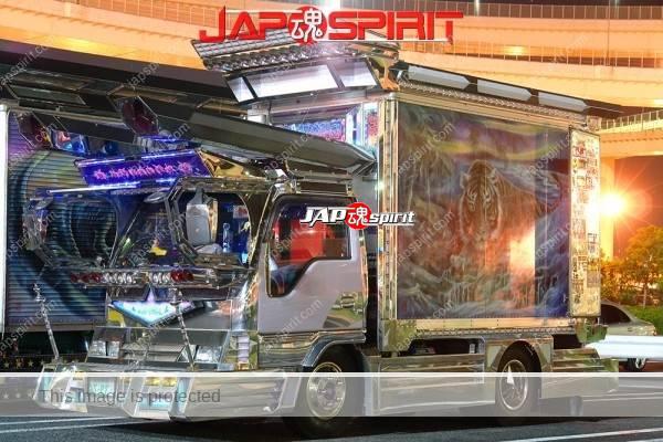 ISUZU ELF, art truck gorgeous decoration light up at daikoku parking (3)