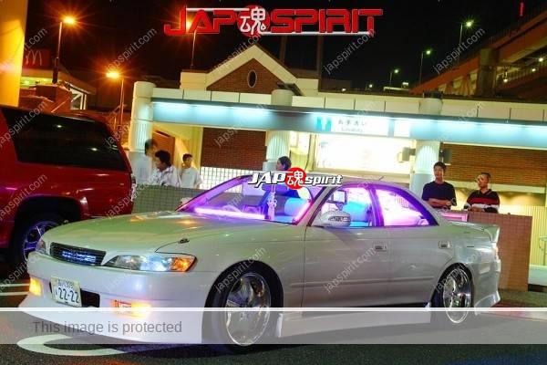 TOYOTA Chaser 100, Sotomuki style, blue lighting at Daikoku parking (1)