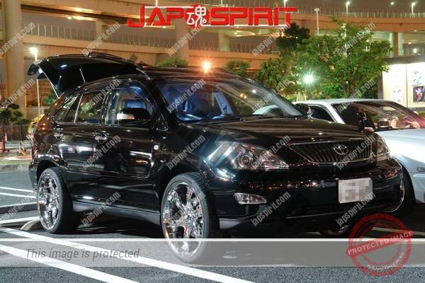 Photo of TOYOTA HARRIER, Dress up style, plating chrome wheel, Black color