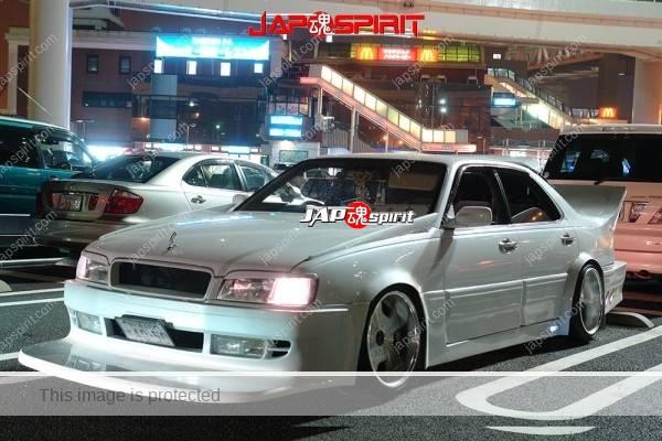 NISSAN Gloria Y33, VIP style, Sound car with wide front bumper spoiler & big wing, upward muffler (5)