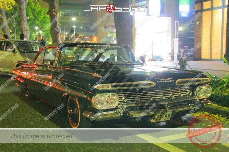 CHEVROLET Impala 2nd lowrider black body at Minatomirai street (3)