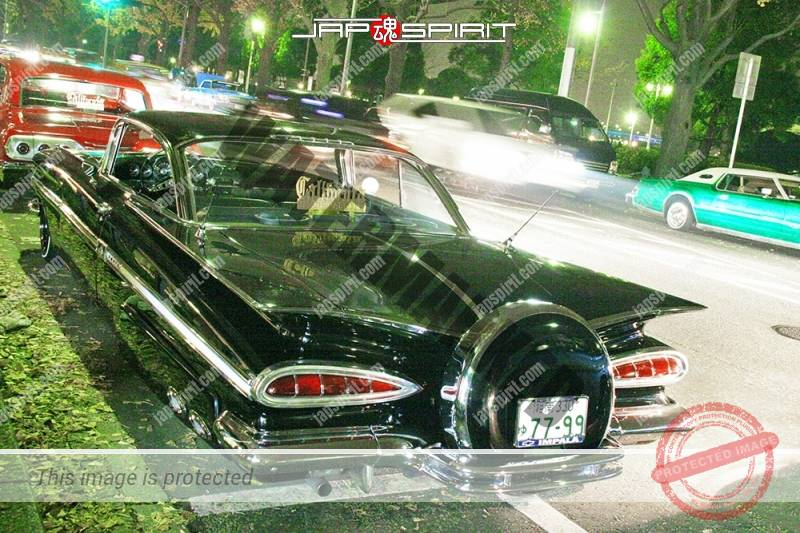CHEVROLET Impala 2nd lowrider black body at Minatomirai street (1)