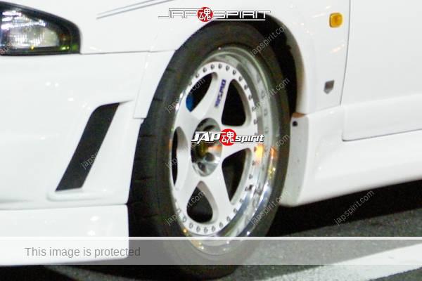 NISSAN SKYLINE GT-R BCNR33, WHITE COLOR, sporty fender & wheel, white color (3)