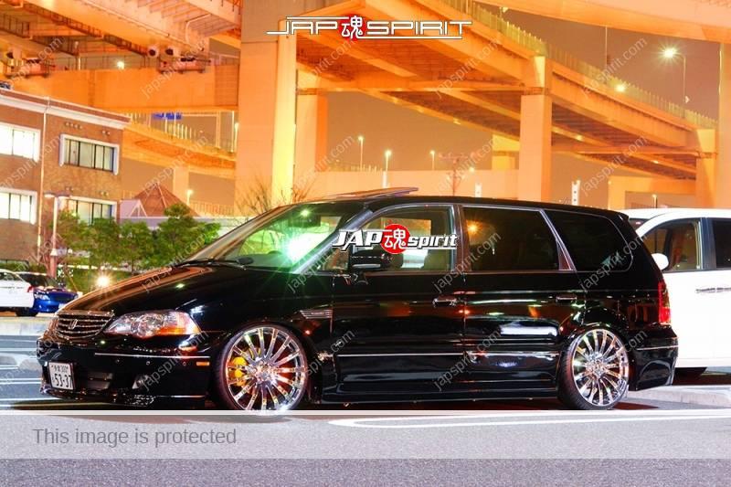 HONDA Odyssey, Dress up style black color with chrome wheel (2)