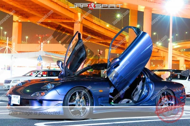MAZDA RX7 FD, Spokon style, scissor door, gray color at Daikoku parking (1)