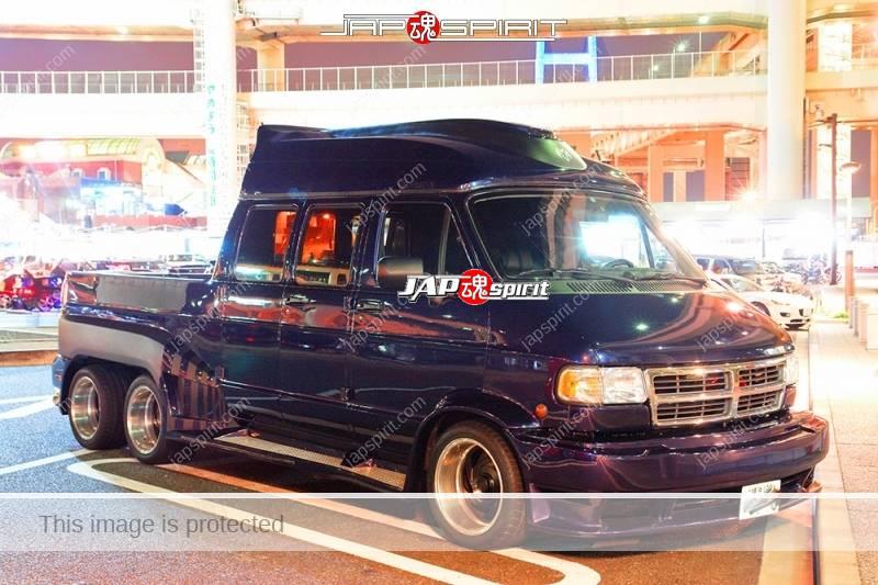 Dodge Ram Van 3rd, 6 wheel custom, black at Daikoku parking (2)