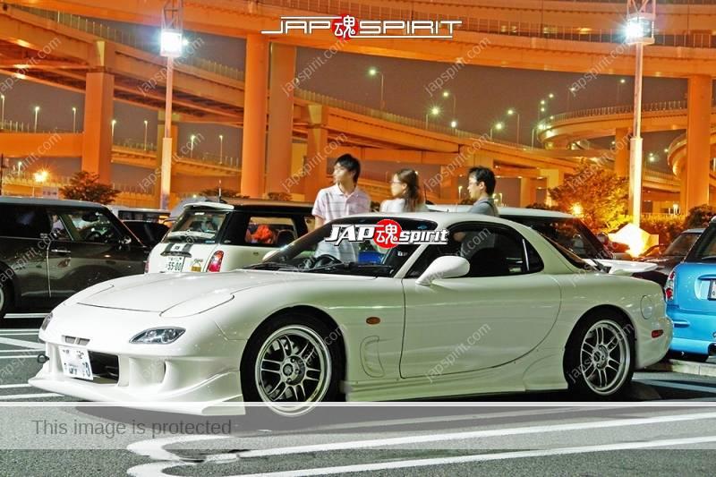 Photo of MAZDA RX7 FD Spokon style white color at Daikoku Parking