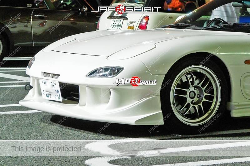 MAZDA RX7 FD Spokon style white color at Daikoku Parking (1)