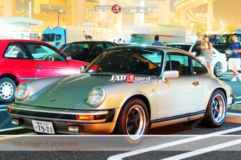 PORSCHE911 2nd 930 Super car silver at Daikoku parking (2)