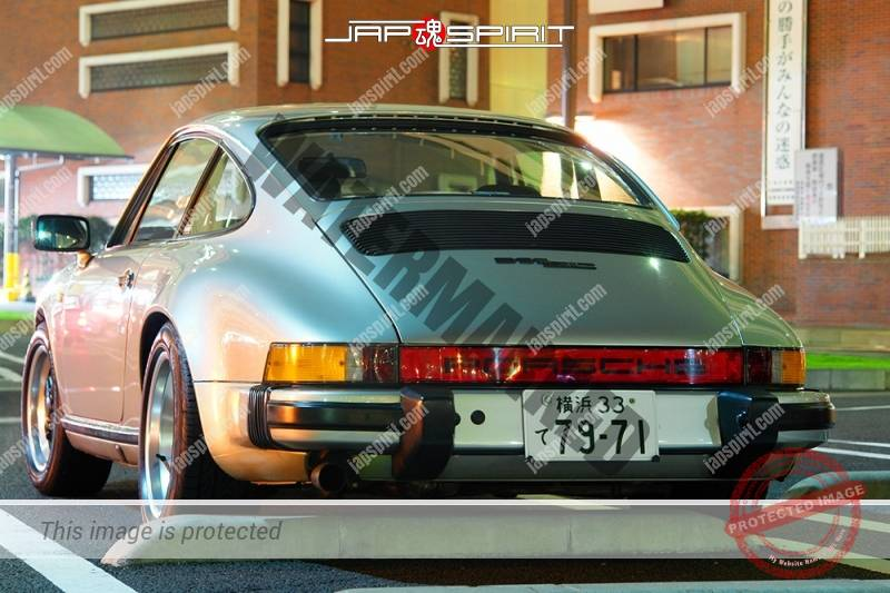 PORSCHE911 2nd 930 Super car silver at Daikoku parking (1)