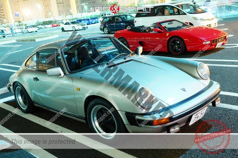 PORSCHE911 2nd 930 Super car silver at Daikoku parking (4)
