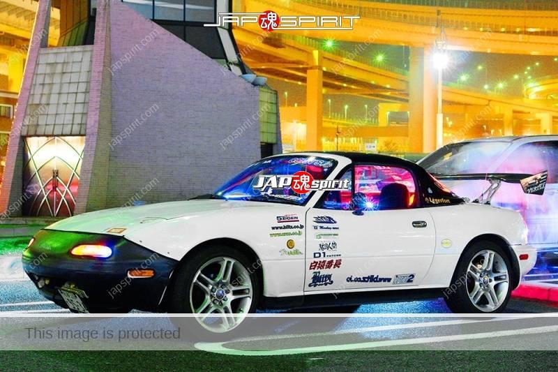 Photo of MAZDA Roadster (MX-5 Miata) Street drift style GT wing white body nose bra