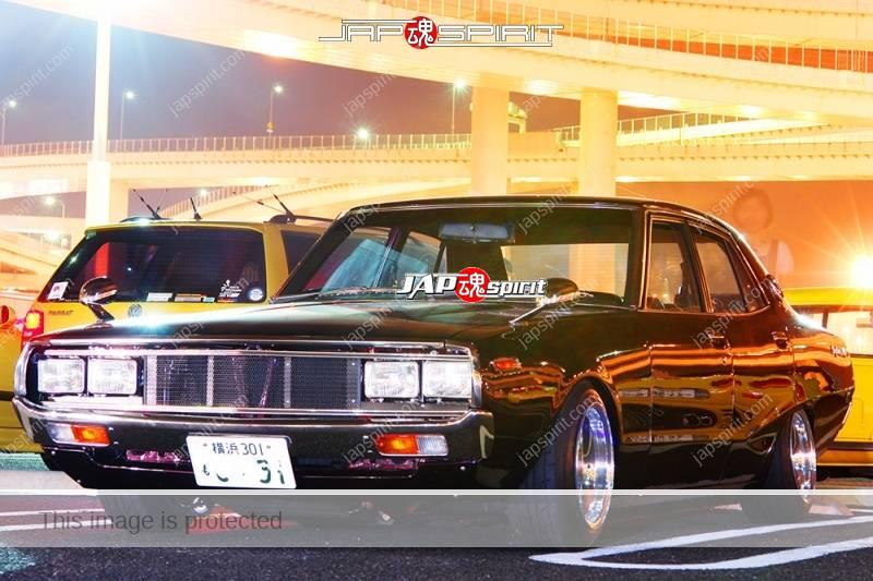 NISSAN Skyline 4th C110 Yonmeri Seitoha style brown at Daikoku PA (2)