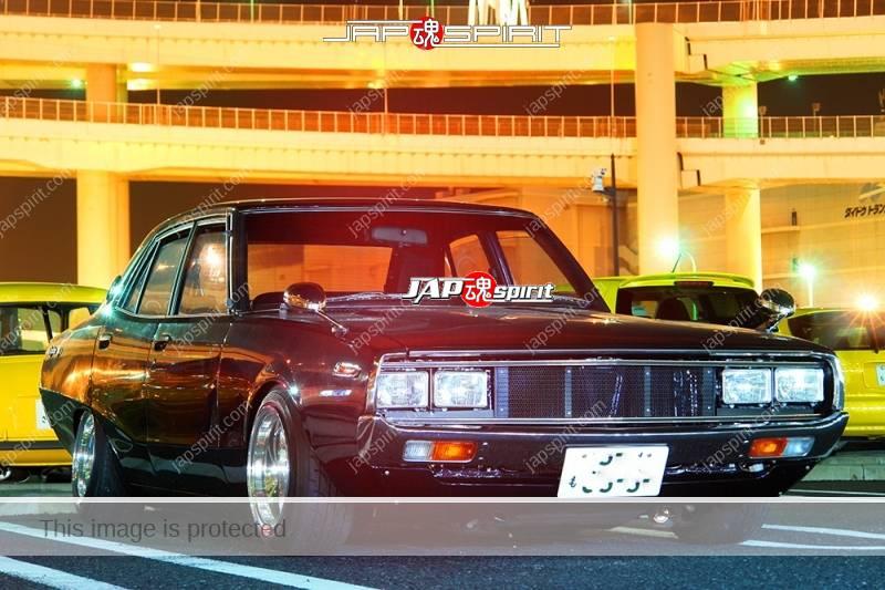 NISSAN Skyline 4th C110 Yonmeri Seitoha style brown at Daikoku PA (3)