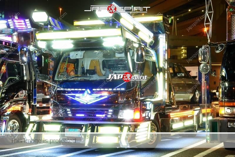 """MITSUBISHI Canter Art truck style """"Yukihime"""" car carrier type at Daikoku PA (1)"""