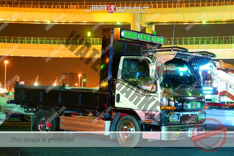 "MITSUBISHI Canter art truck style dump type ""Matsutake"" at Daikoku PA (2)"