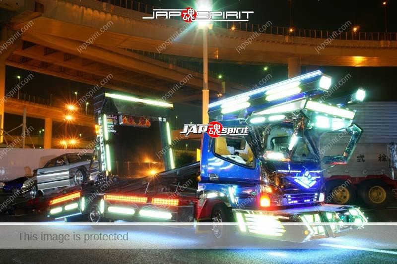 "Photo of MITSUBISHI Canter Art truck style ""Yukihime"" car carrier type at Daikoku PA"