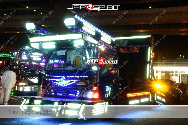 """MITSUBISHI Canter Art truck style """"Yukihime"""" car carrier type at Daikoku PA (2)"""