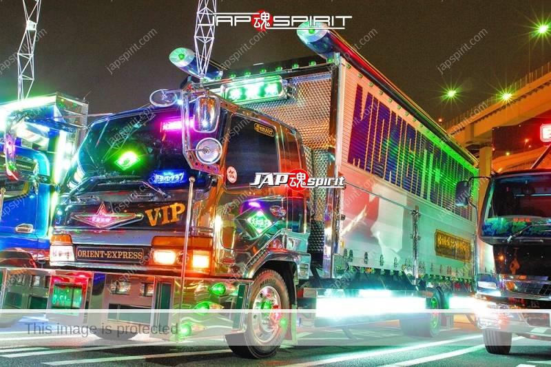 HANAHIMEMARU art truck, Mitsubishi fuso figher beautiful lighting at Daikoku PA