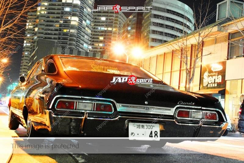 CHEVROLET 1968 Impala Sport Coupe black color at Minatomirai street (3)
