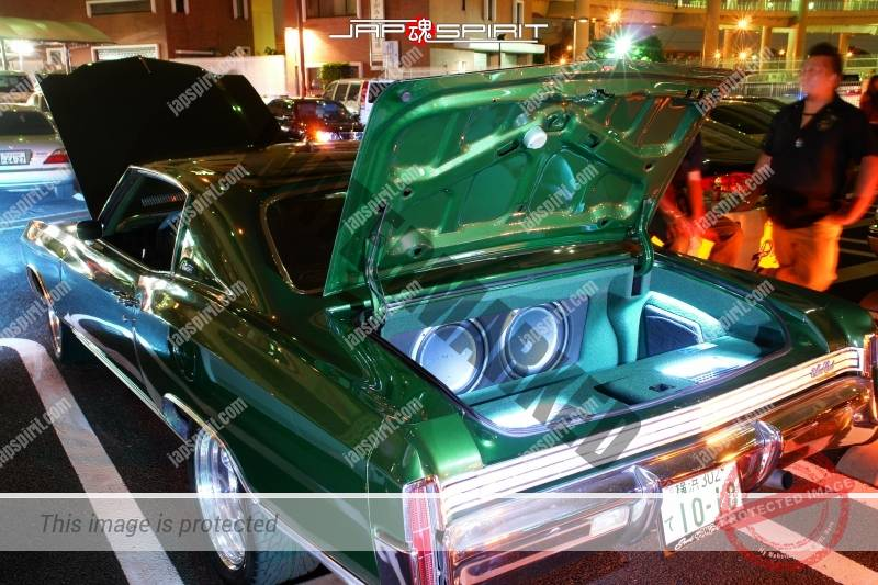 Chevrolet Monte Carlo1972 green color sound system in trunk 1