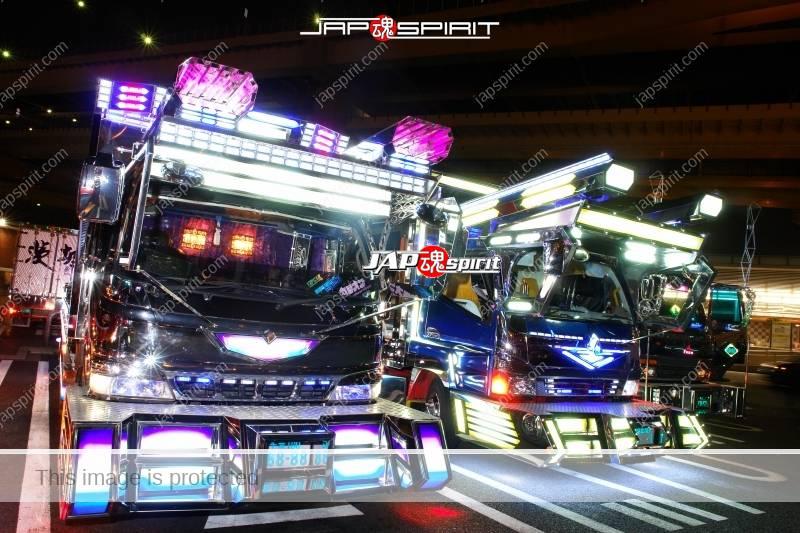 Photo of Dekotora art trucks light up at Daikoku Parking