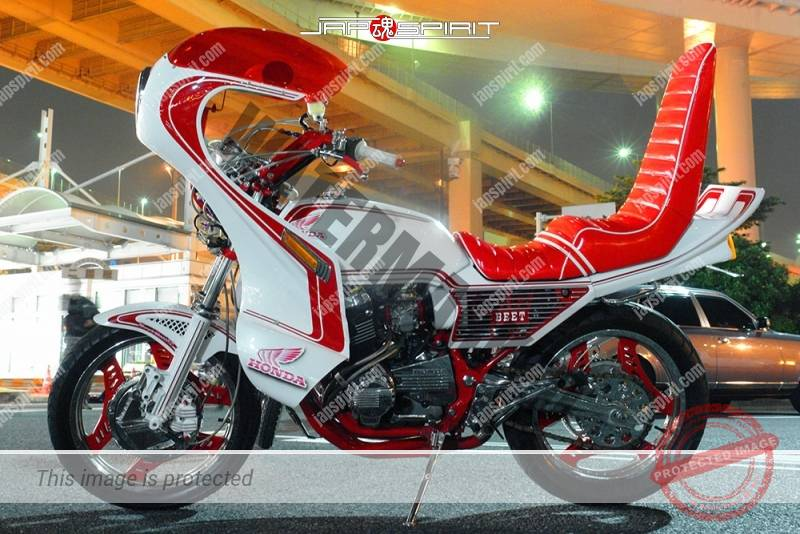 Photo of HONDA CBX400F Kyushakai beautiful white & red color rocket cowl sandan sheet tsuppari tail oni handle