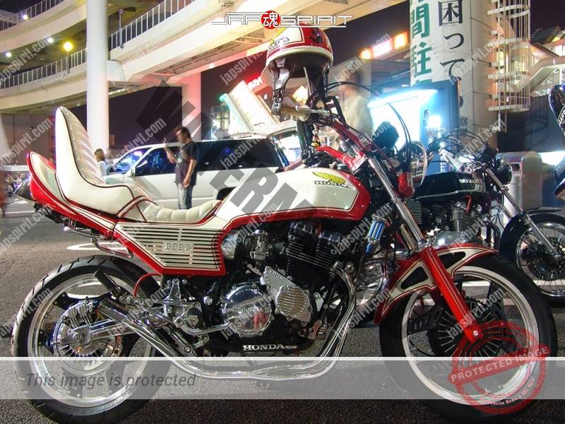 Photo of HONDA CBX400F Kyushakai white color plating parts sanda sheet at Daikoku PA
