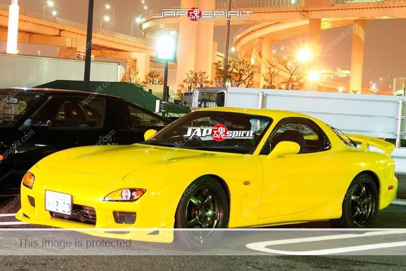 Photo of MAZDA RX7 FD Yellow color at Daikoku PA